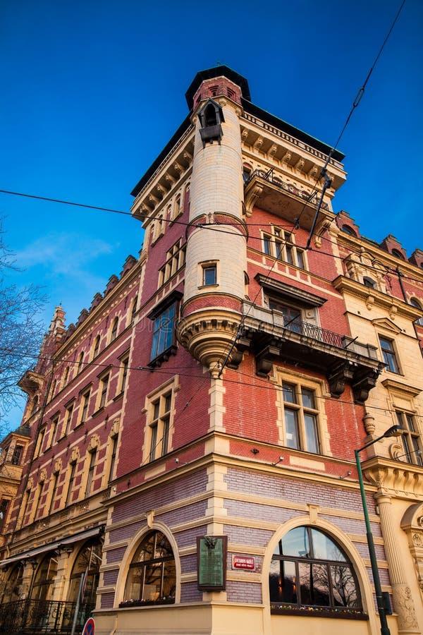 Античное красивое здание в Праге стоковое изображение
