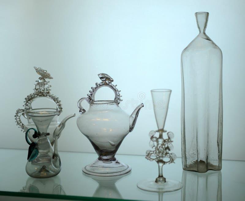 Античное стеклоизделие для напитков, Бордо, Аквитании, Франции стоковая фотография rf