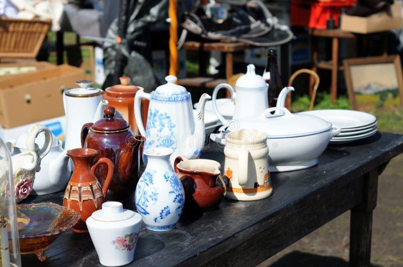 Античное pott Китай кафа на блошинном стоковая фотография