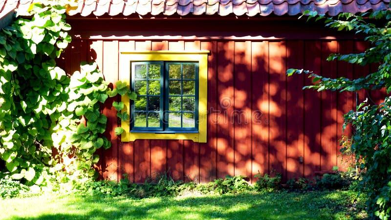 Античные дом и велосипед Стокгольм стоковые фотографии rf