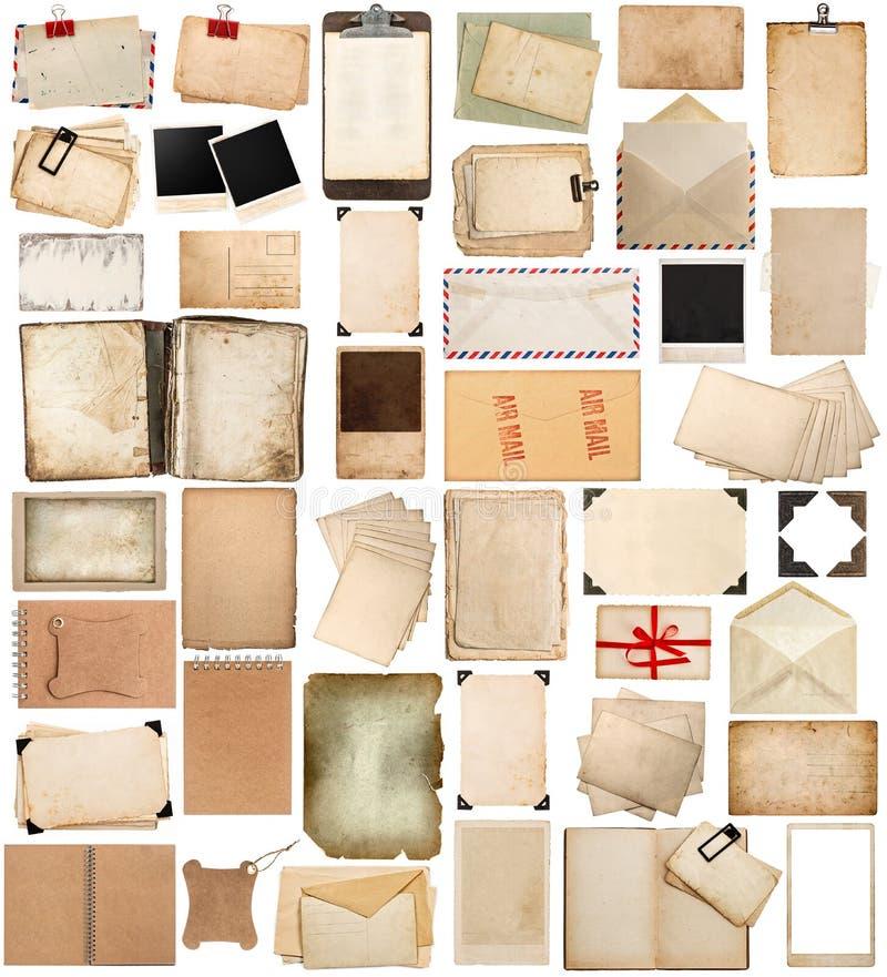 Античные доска сзажимом для бумаги и фото загоняют в угол, постаретые бумажные листы, рамки, b стоковая фотография