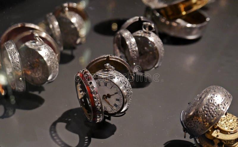 Античные серебряные карманные watchs стоковая фотография rf