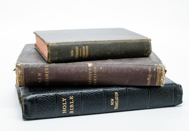 Античные штабелированные библии стоковая фотография rf