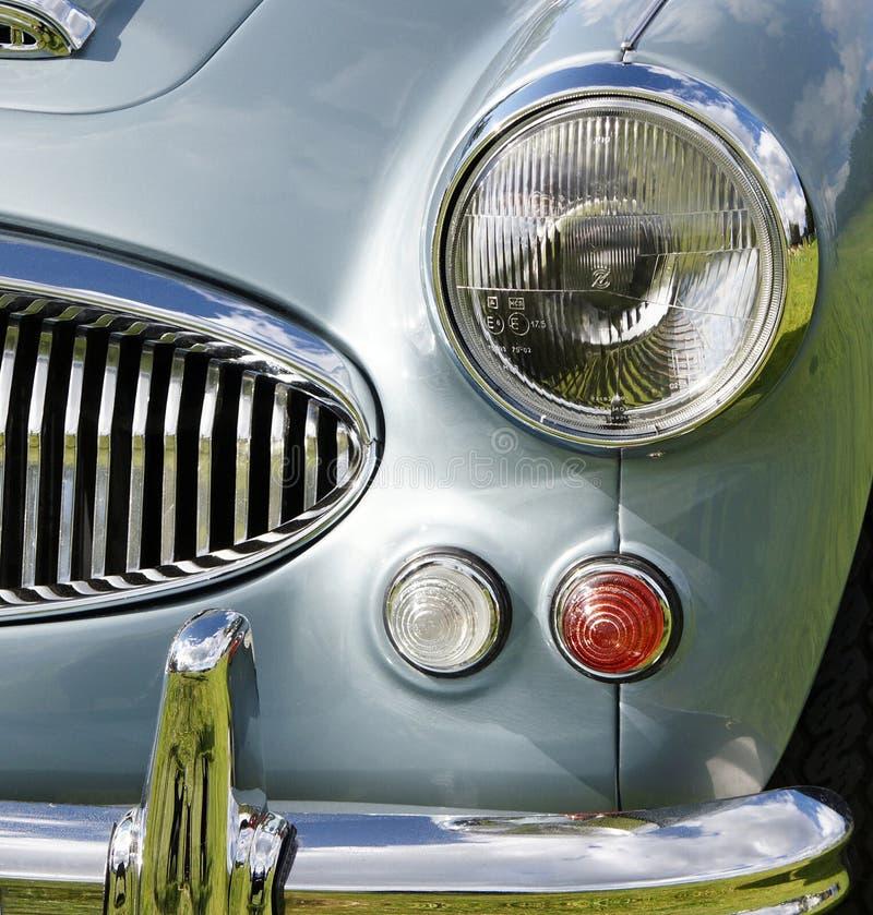 Download античный автомобиль стоковое изображение. изображение насчитывающей классицистическо - 18391431