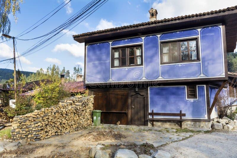 Античный голубой дом стоковое изображение