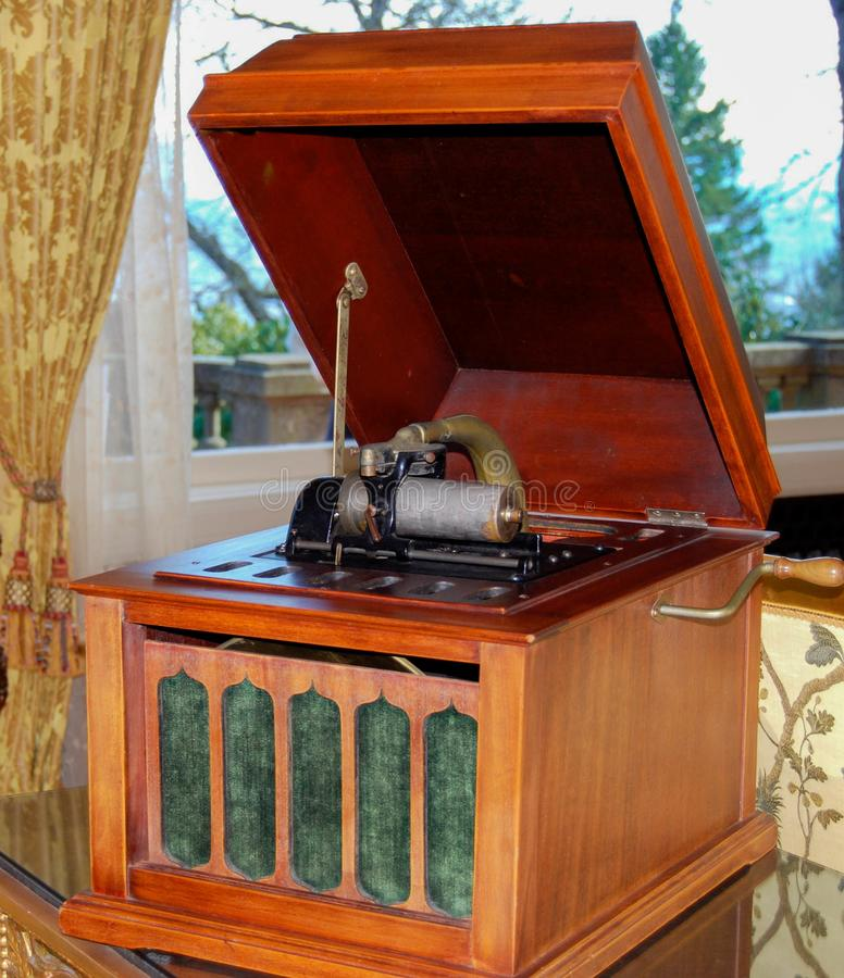 Античный игрок патефона Edison рекордный стоковое фото