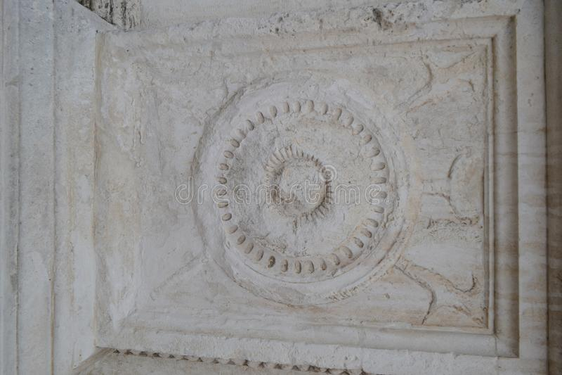Античный каменный сброс в сером цвете стоковое изображение rf