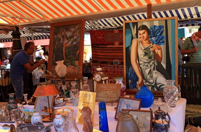 Античный рынок в славном, Франция стоковые изображения
