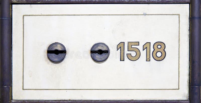 античный сейф залеми коробки стоковая фотография rf
