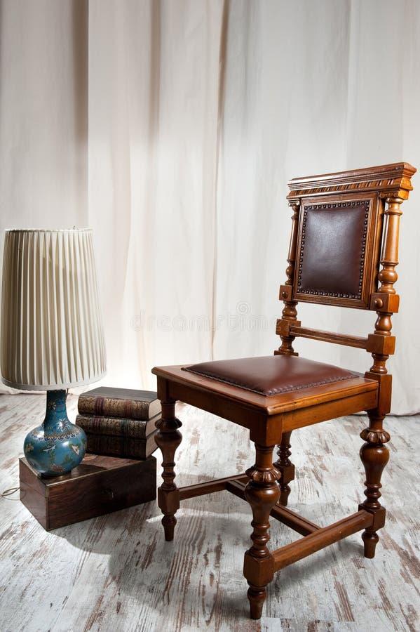 Античный стул стоковая фотография