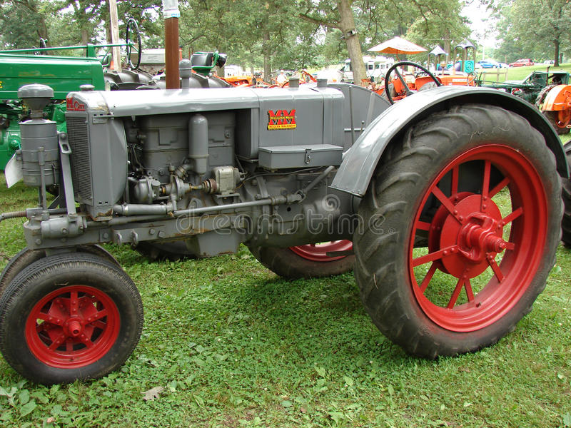 Античный трактор Миннеаполис Moline стоковое изображение rf