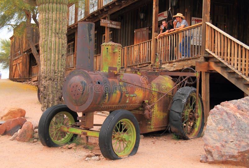 Античный трактор пара как туристическая достопримечательность стоковые изображения rf
