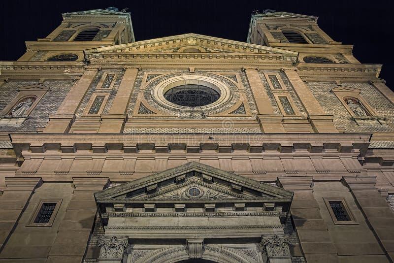 Античный экстерьер церков на ноче стоковое фото rf