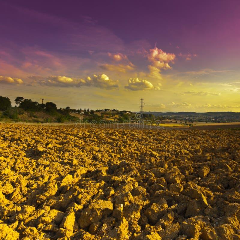 ландшафт поля вспахал сельское стоковые изображения rf