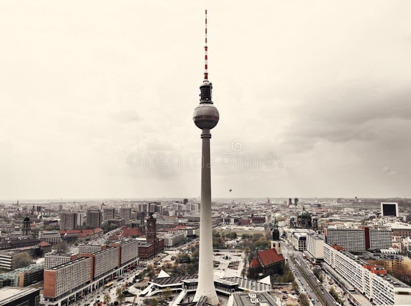 Апоралипсический взгляд горизонта Берлин стоковые фотографии rf
