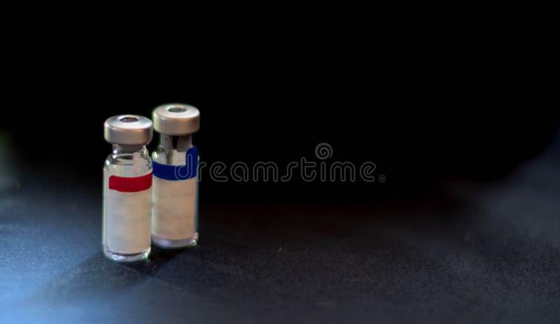 Аппаратура вакцинации 'доза' с иглой вакцинация пациента от коронавируса КОВИД-19 Мир пандемии коронавируса стоковое фото rf