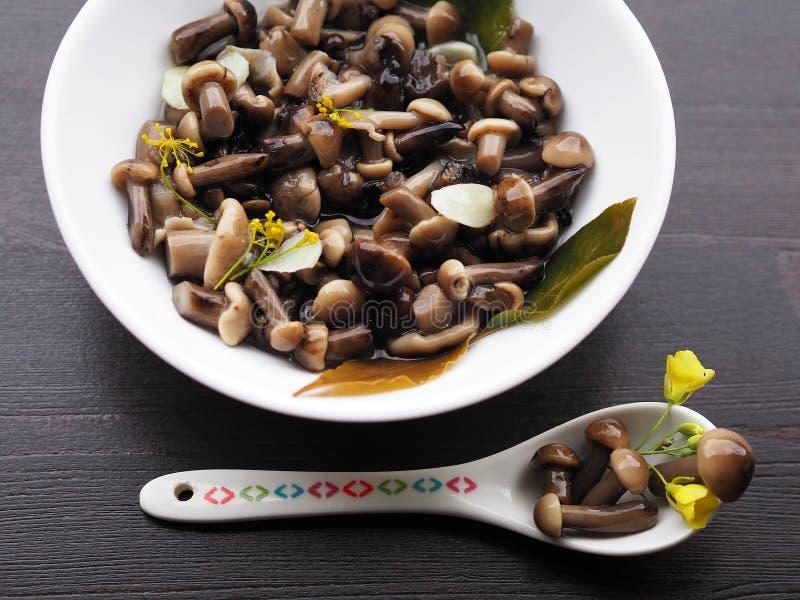 Аппетитная закуска грибов на праздник стоковая фотография