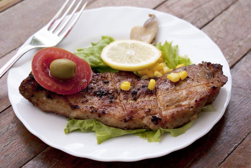 аппетитное зажаренное сочное мясо стоковое фото