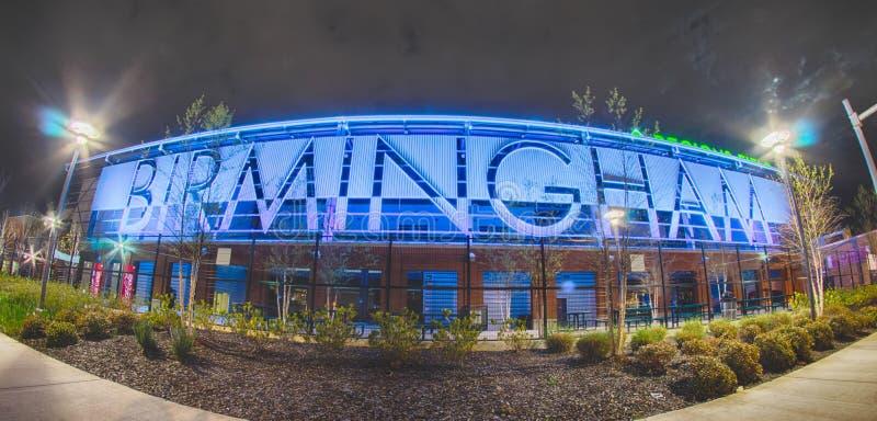 Апрель 2015 - низшая лига поля областей Бирмингема Алабамы baseb стоковая фотография