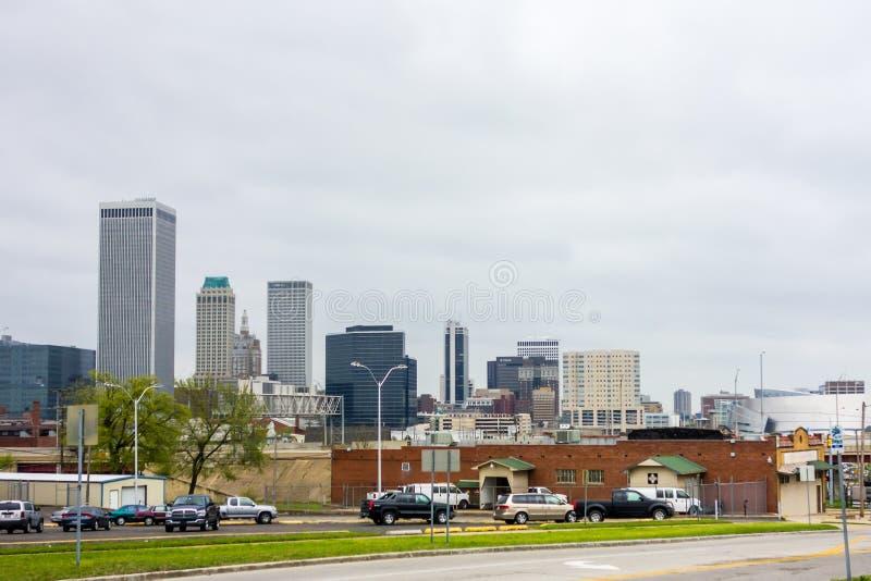 Апрель 2015 - штормовая погода над горизонтом Tulsa Оклахомы стоковые фото