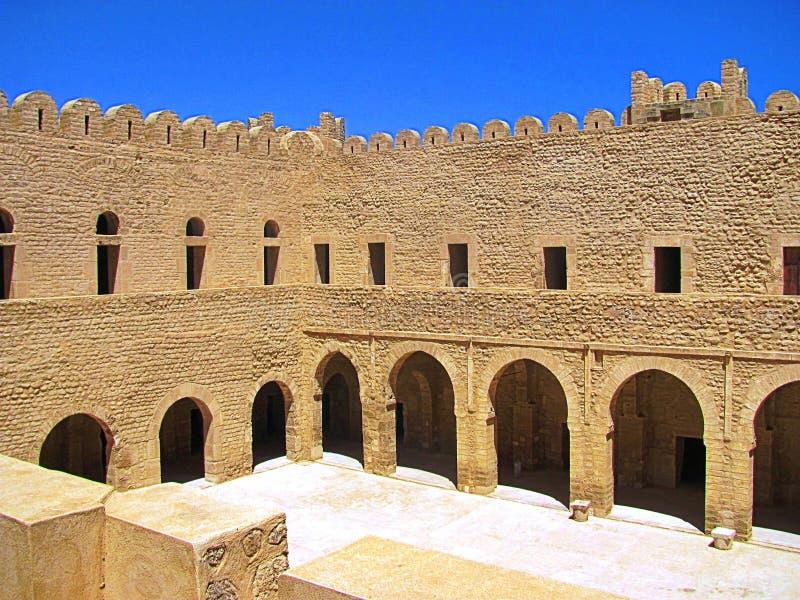 Арабская крепость в солнечности в Тунисе, Sousse стоковая фотография