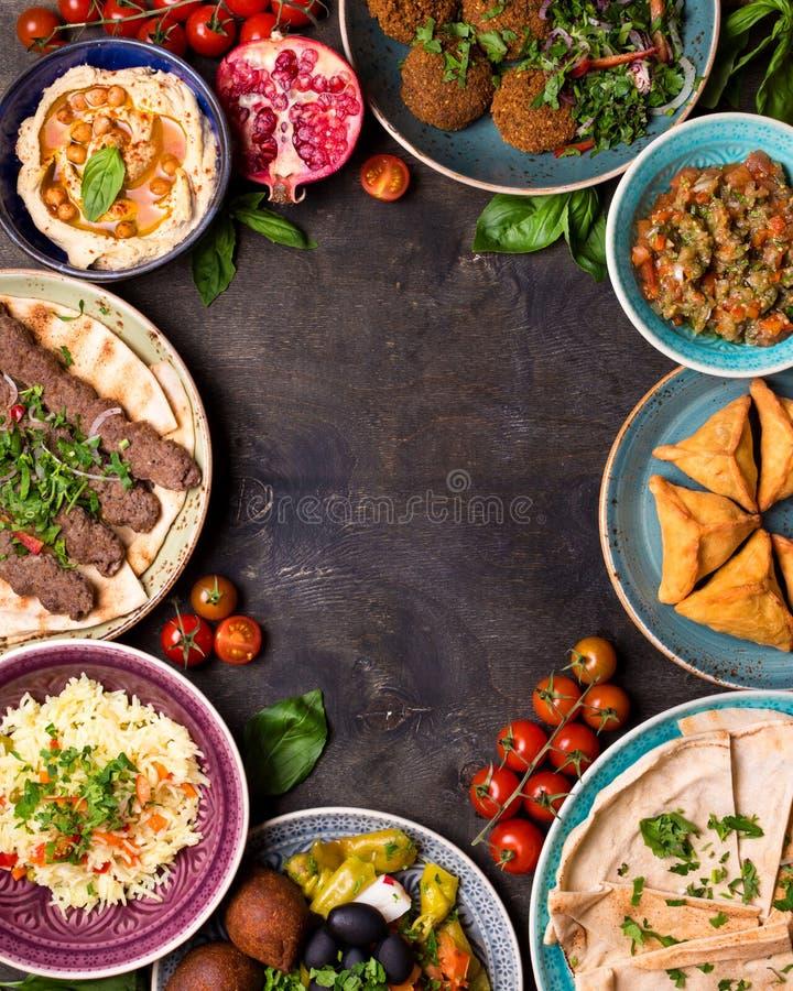 Арабская предпосылка блюд стоковые изображения