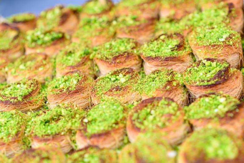Арабские помадки в рынке стоковая фотография rf