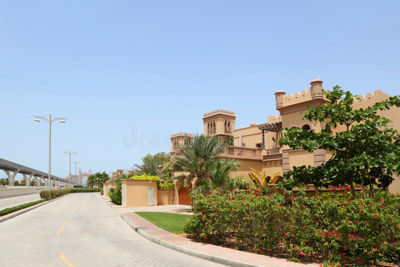 аравийский большой тип улицы дома города стоковые фотографии rf
