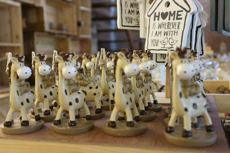 Аранжируют жирафа красиво стоковое изображение