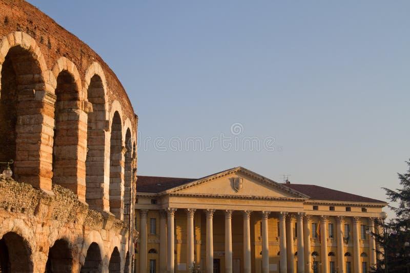 Арена и ратуша Вероны стоковые фотографии rf