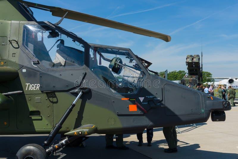 Арена четырех-лопастный, двойн-engined тигр Eurocopter штурмового вертолета стоковые фото