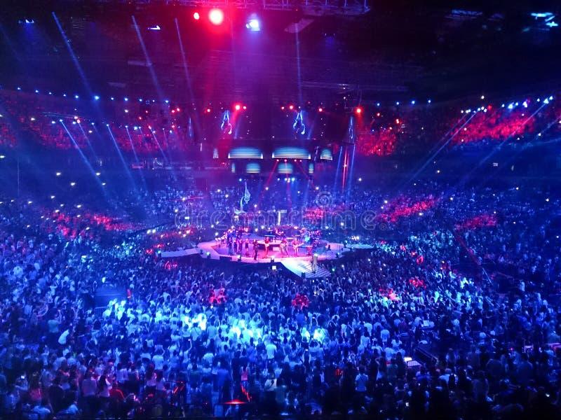 Арена Kombank в Белграде, Сербии - 6-ое июня 2014: Концерт в реальном маштабе времени стоковое фото rf