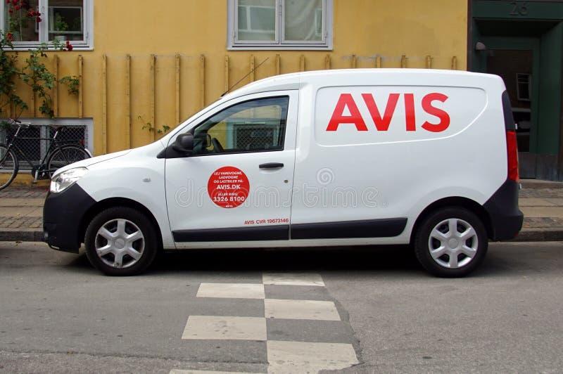 Аренда автомобиля White AVIS стоковые фото