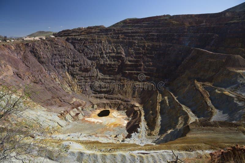 Аризона, Bisbee, США, 6-ое апреля 2015, покинутый медный рудник стоковые изображения rf