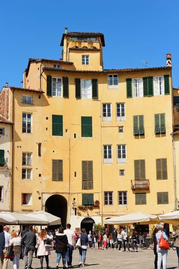 Аркада Anfiteatro в Лукке - Тоскане Италии стоковая фотография