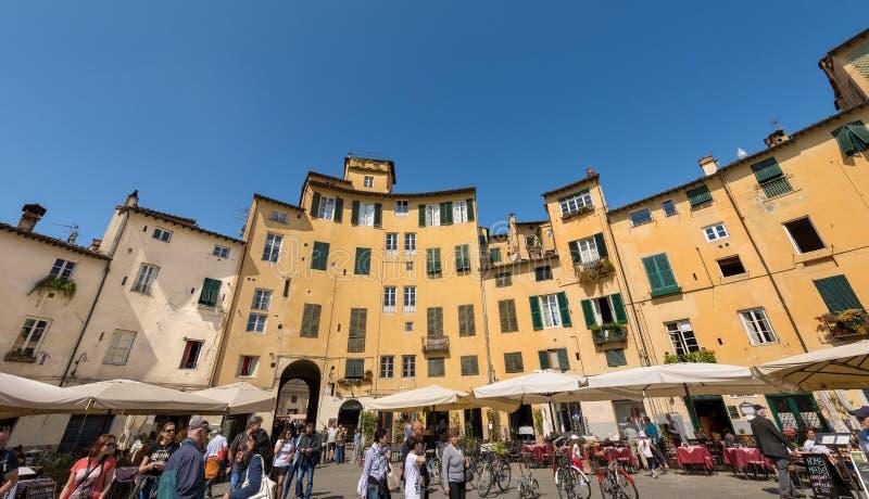 Аркада Anfiteatro - Лукка Тоскана Италия стоковое изображение rf