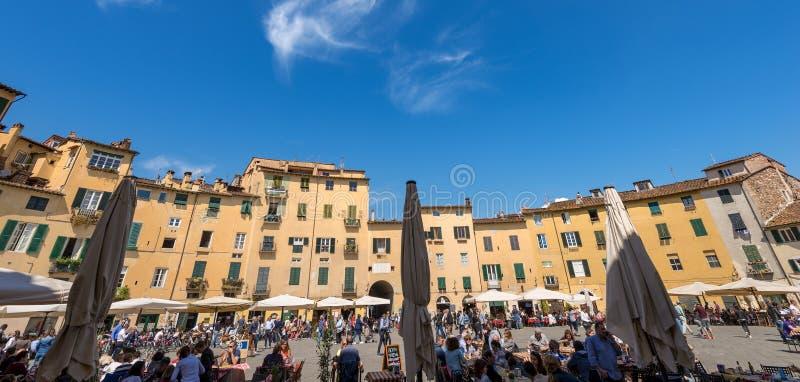 Аркада Anfiteatro - Лукка Тоскана Италия стоковое фото rf