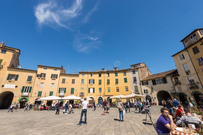 Аркада Anfiteatro - Лукка Тоскана Италия стоковые фото