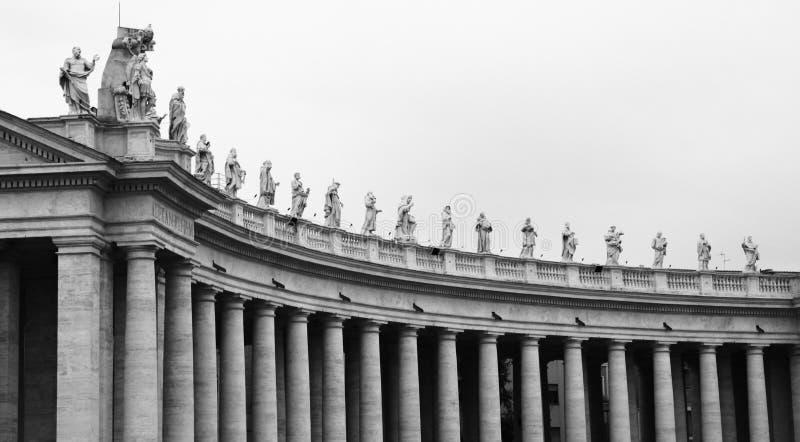 Аркада Сан Pietro, Ватикан стоковые изображения