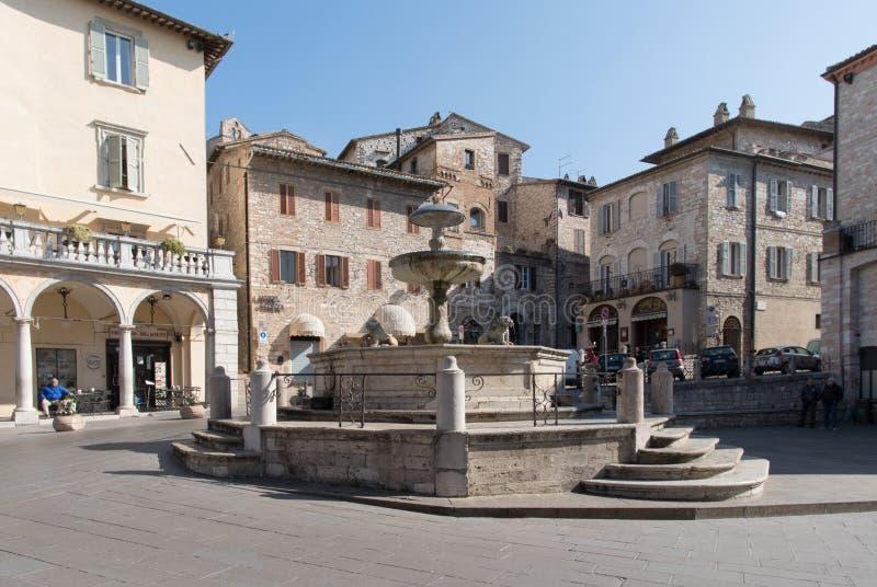 Аркада del Comune Квадрат, Assisi, Италия стоковое изображение rf