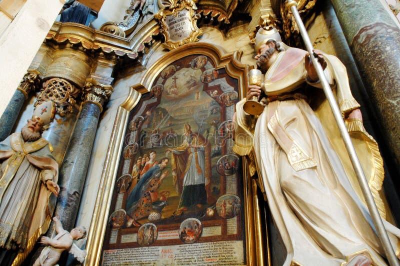 армянский интерьер католической церкви стоковая фотография
