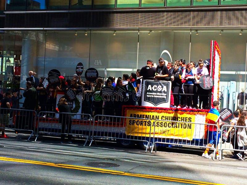 Армянский парад дня в Нью-Йорке стоковые фотографии rf