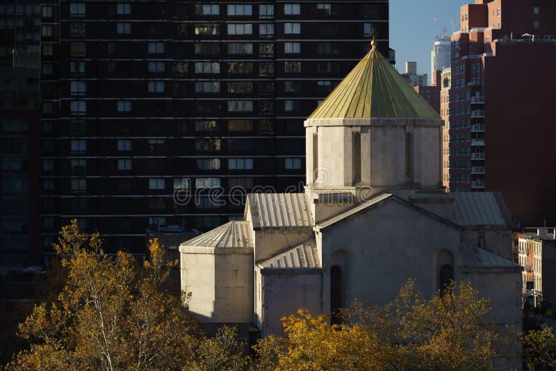 Армянский собор в Нью-Йорке в жестком бортовом свете утра, стоковые изображения