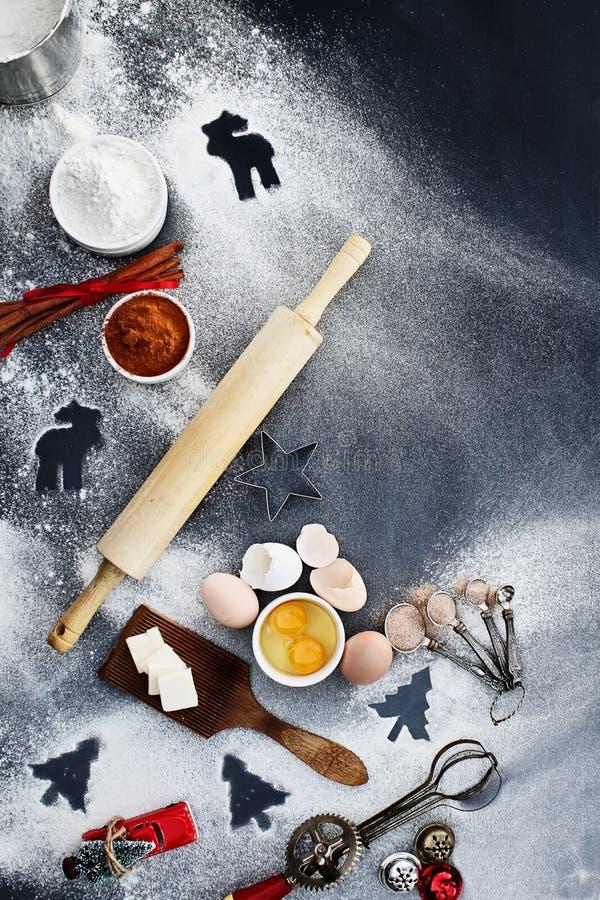 ароматичные специи gingerbread печений рождества выпечки стоковое фото