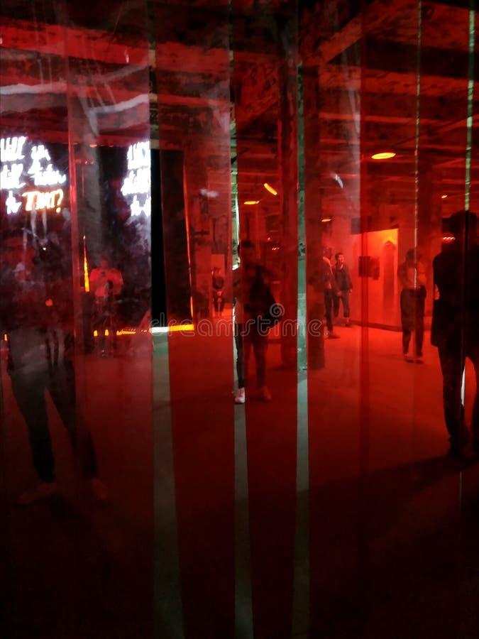 артикулированное Художественная галерея людей AkT Окончательное искусство выставки до полночи выставки стоковое фото rf