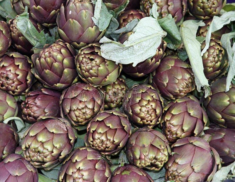 Download Артишоки для продажи на Vegetable рынке 6 Стоковое Фото - изображение насчитывающей рецепт, членистоногих: 37927726