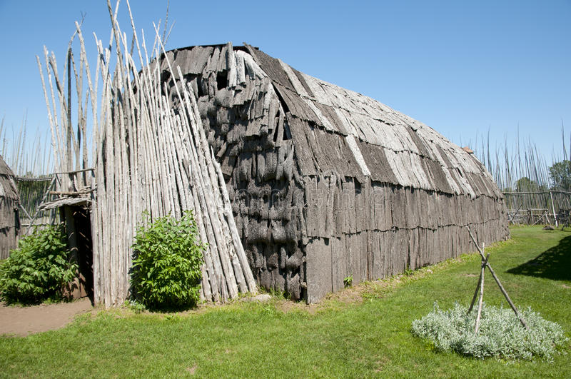 Археологические раскопки Tsiionhiakwatha Droulers - Квебек - Канада стоковые фотографии rf