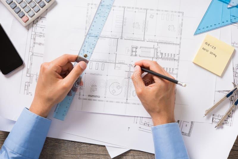 Архитектор на работе стоковое изображение