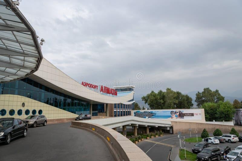 Архитектура авиапорта Алма-Аты в Казахстане стоковые фотографии rf