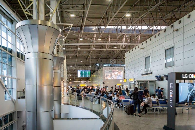 Архитектура авиапорта Алма-Аты в Казахстане стоковое фото rf